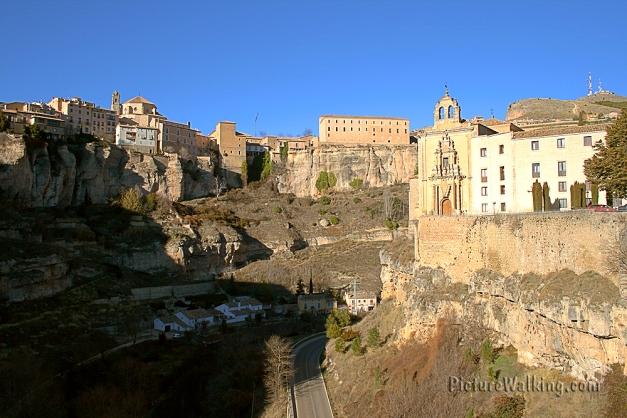 Vista de Cuenca Desde El Puente