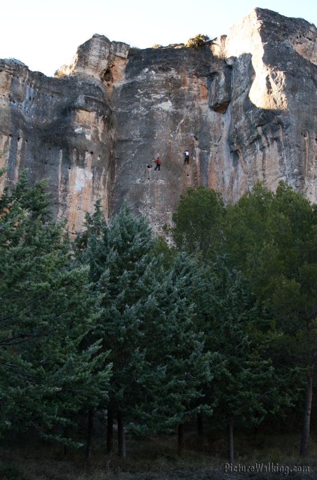 Escaladores en Cuenca